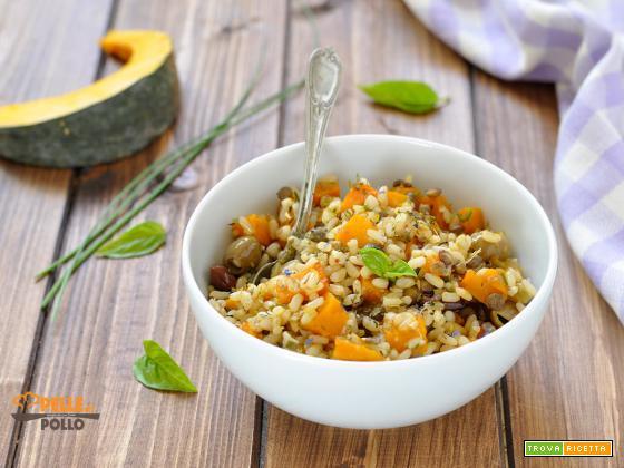 Insalata di riso integrale con zucca e legumi