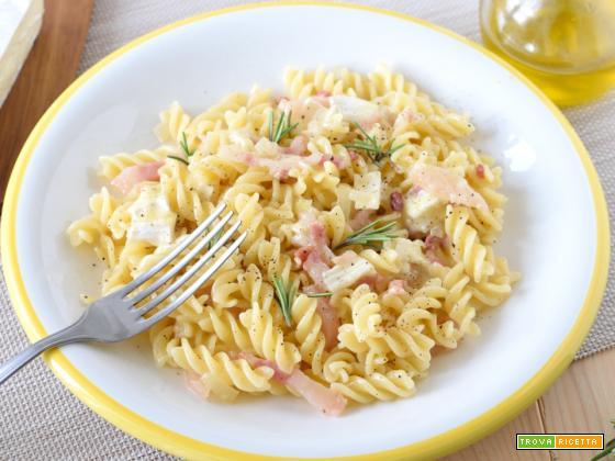 Pasta con Pancetta e Brie – primo piatto veloce