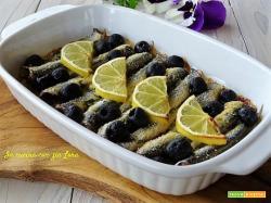 Alici al forno con olive e limone