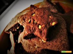 Biscotti con yogurt, cacao e nocciole