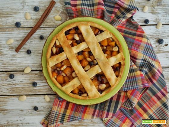 Torta croccante con zucca, mandorle e mirtilli