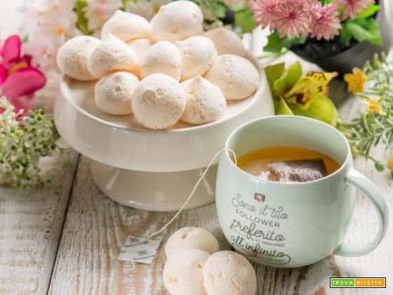 Meringhe alla francese con cioccolata: la golosità si fa soffice soffice