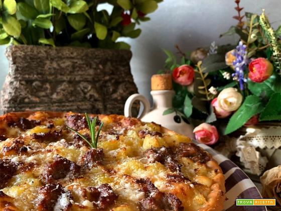 Torta salata patate e salsiccia