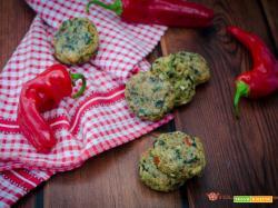 Polpette con patate cicoria e peperoni al forno
