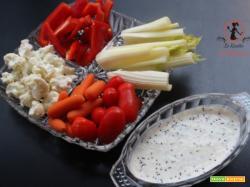 Crudité di verdure con salsa allo yogurt  per un aperitivo leggero