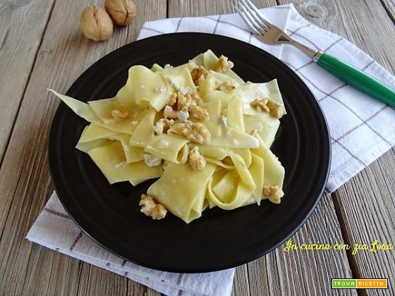 Maltagliati con gorgonzola e noci