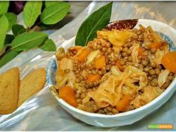 Minestra di cavolo verza lenticchie e zucca