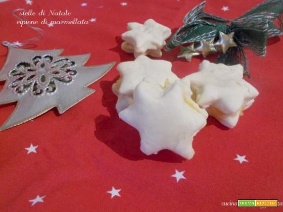Stelle di Natale ripiene di marmellata