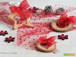 Biscotti alla cannella per decorare l'albero