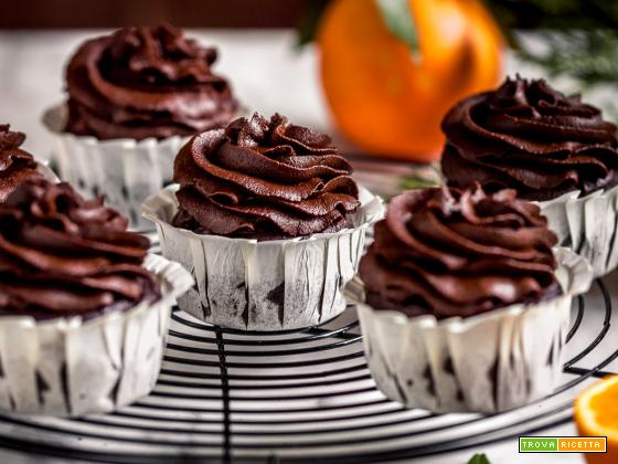 CUPCAKES VEGAN al CIOCCOLATO ARANCIA e ZUCCA Integrali | Vegan CHOCOLATE PUMPKIN CUPCAKES with orange +  PUMPKIN DATE CHOCOLATE Frosting