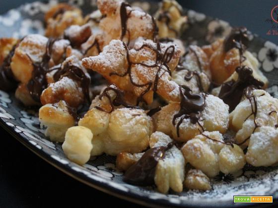 Briciole dolci di pasta sfoglia, sfruttiamo gli avanzi!