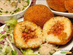 Arancini umili senza glutine con salsa Tarator