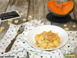 Orecchiette con zucca, salsicce e panna
