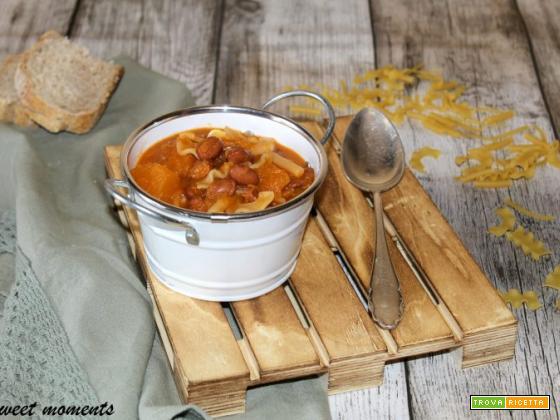 Pasta con zucca e fagioli borlotti