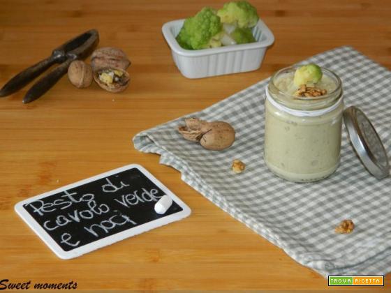 Pesto di cavolo verde e noci