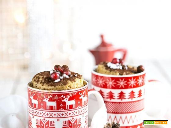 Mug cake ai profumi di Natale al microonde