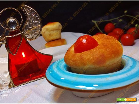 Muffin con impasto per focaccia