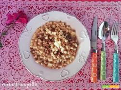 Tubetti con lenticchie patate funghi e miele