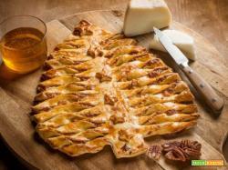 Evviva, l' albero di sfoglia con formaggio di capra , noci pecan e miele!