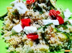 Cous Cous con Zucchine, Feta e Pomodorini (ricetta light)