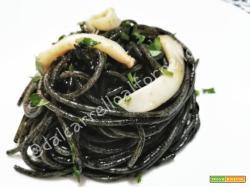 Spaghetti al Nero di Seppia (ricetta semplice)