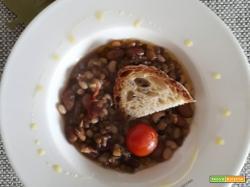 La crapiata lucana, zuppa di legumi e grano