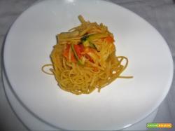 Ricetta – Taglierini all'uovo con verdure in salsa di soia