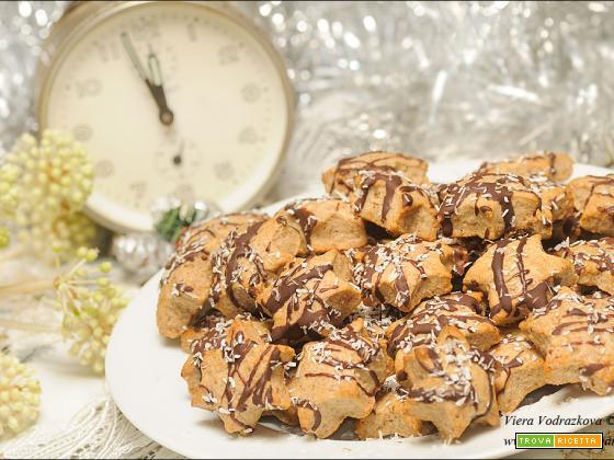 Biscotti di Natale speziati e veloci a forma di stelle