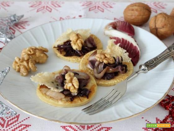 Blinis al radicchio stufato , noci e parmigiano, dalla Russia con amore!