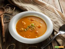 zuppa di fave e zucca all'arancia