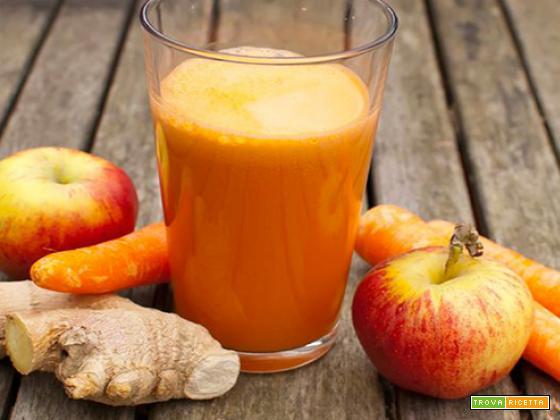 Estratto di mela, carota e zenzero