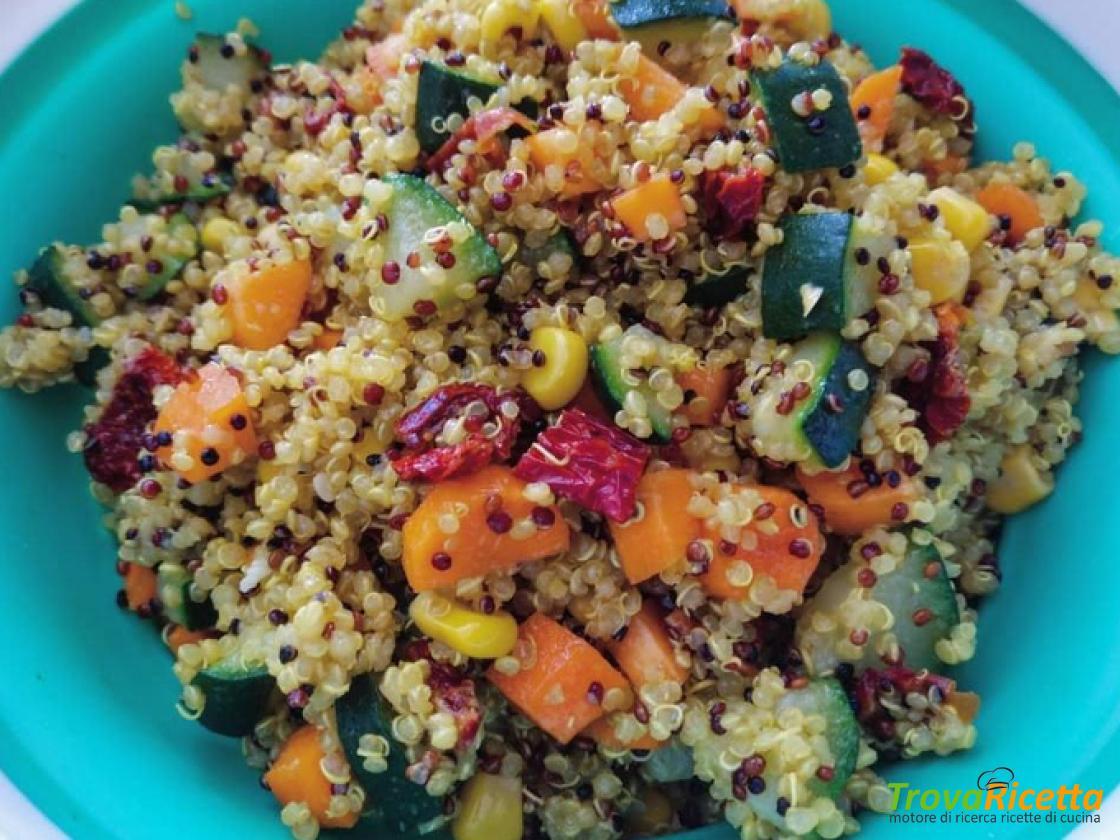 Ricette Con Quinoa Pollo E Verdure.Insalata Di Quinoa Con Verdure Ricetta Trovaricetta Com