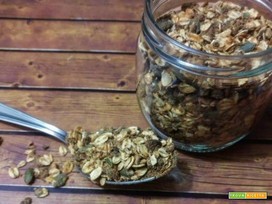Muesli di avena, mandorle e semi di zucca