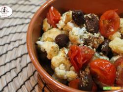 Cavolfiore con pomodorini e olive in friggitrice ad aria