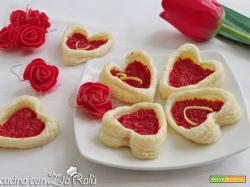 Cuori di pasta sfoglia salati – Antipasto in love