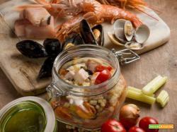 Fregola sarda con zuppetta di pesce leggera in vasocottura