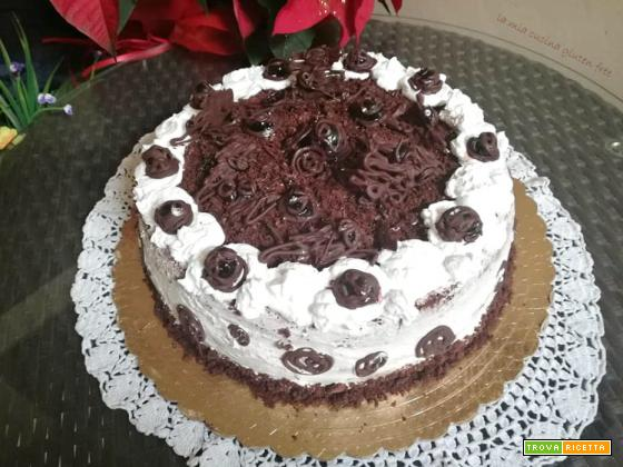 Torta foresta nera senza glutine