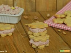 Biscotti salati con mousse di prosciutto