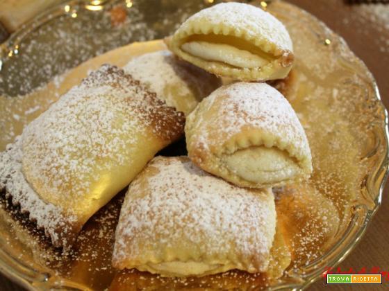Ravioli dolci di ricotta e cannella