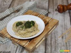 Tagliatelle con broccoli e macinato