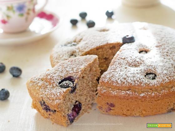 Torta integrale ai mirtilli senza zucchero