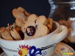 Biscotti all'avena e mirtilli, senza glutine e senza lattosio