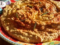 Hummus di ceci e yougurt greco