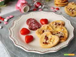 Cuoricini salati alle fave , mandorle e pepe rosa