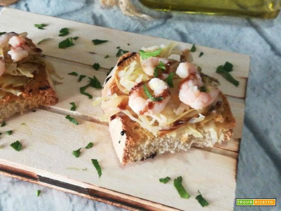 Bruschetta con crauto bianco e gamberetti