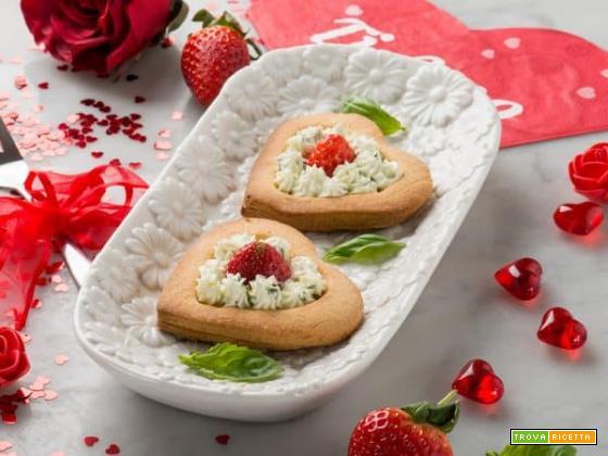 Le tartellette di frolla con formaggio, fragole e bontà!