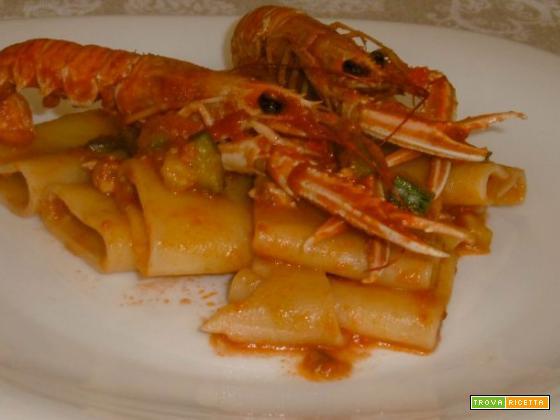 Paccheri con scampi e zucchine