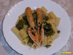 Pasta con scampi e carciofi