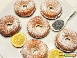 Ciambelline al limone e semi di papavero