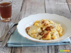 Polenta ai formaggi e salsiccia